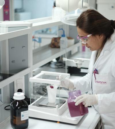 Evonik Türkiye'de boya ve kaplama laboratuvarı açtı