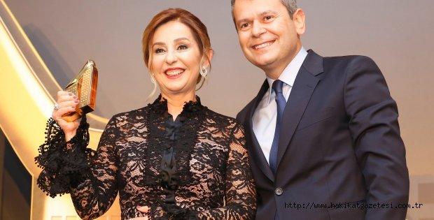 Azmi ile Jüriyi Etkiledi, Türkiye'nin En Başarılı Kadın Girişimcisi Seçildi