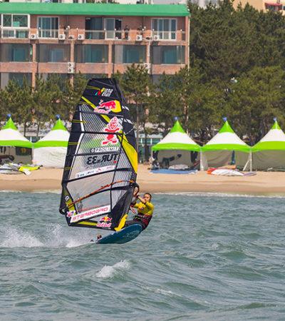 Rüzgar Sörfü Sporcumuz Lena Erdil, Kore'de 2. Oldu!
