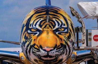 Uçak Üreticisi Embraer, AkzoNobel'in Havacılık Kaplamaları ile Vahşi Tasarımlara İmza Atıyor