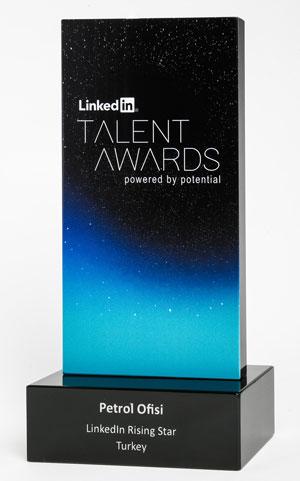 """Petrol Ofisi'ne """"LinkedIn Rising Star"""" Ödülü"""