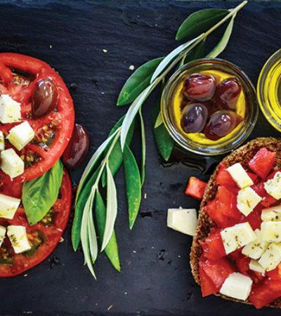 Uzmanlar Kolon Kanserine Karşı Akdeniz Tipi Beslenmeyi Öneriyor