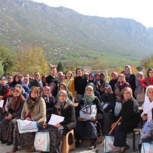 """""""Hijyen Sağlıktır"""" Projesi 2 bin Kadına Ulaştı"""