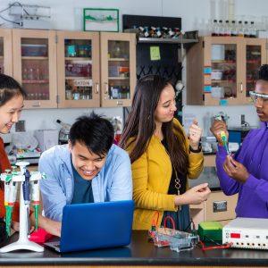 """Amgen Vakfı'nın Bilim Eğitim Platformu """"LabXChange"""" Yeniden Tasarlanıyor"""