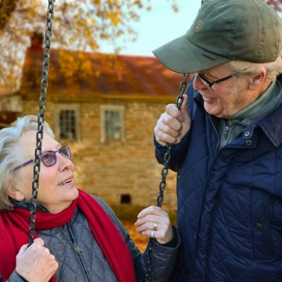 65 Yaş ve Üstü Kişilerde Sarı Nokta Hastalığına Dikkat