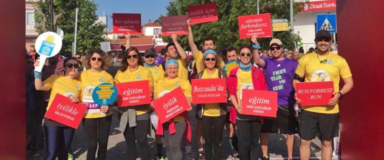 Takeda Türkiye, Bozcaada Maratonu'nda Tohum Otizm Vakfı için İyilik Rüzgarı Estirdi