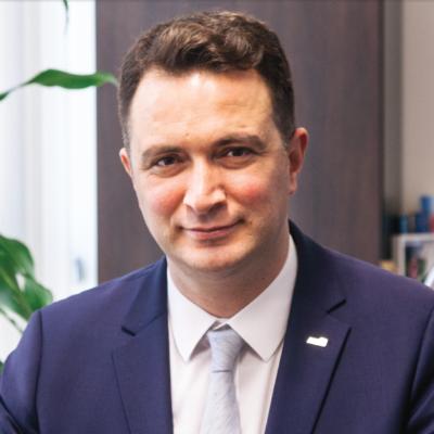 Ak-Kim Ar-Ge Merkezi Direktörü Dr. Semih Durmuş ile Söyleşi