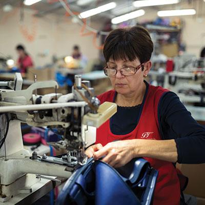 Pasin Tekstil Avrupalı Şirketlerin Kurumsal Kıyafetlerini Üretiyor