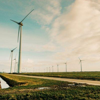 Yenilenebilir Enerji Kapasitesinde Artış Yaşanıyor